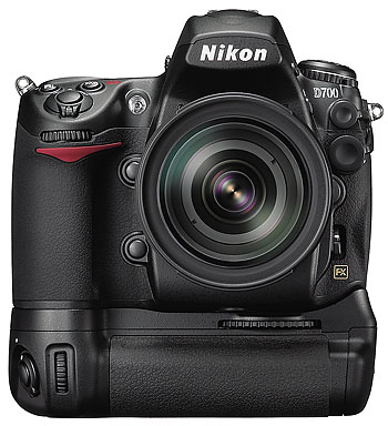 Foto der Nikon D700 mit MB-D10
