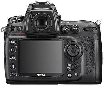 Foto der Rückseite der Nikon D700