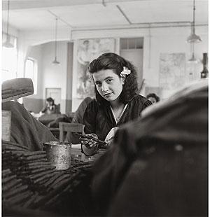 Foto Theo Frey, Tabakarbeiterin, Brissago, 1947