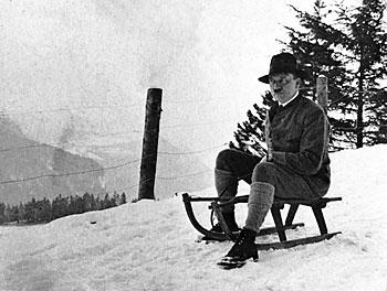 Hitler beim Rodeln; Foto Heinrich Hoffmann
