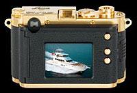 Foto der Rückseite der DCC Leica M3 Gold Edition von Minox