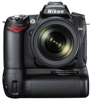 Foto der Nikon D90 mit Handgriff