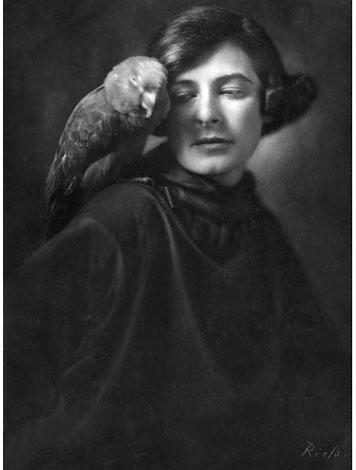 Foto Frieda Riess, Selbstporträt, 1922