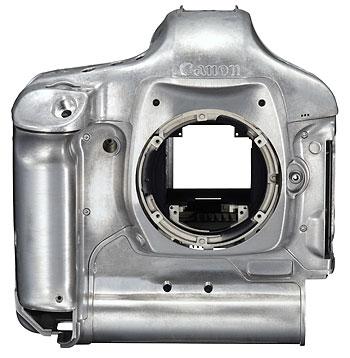 Foto vom Magnesiumgehäuse der EOS-1D Mark IV von Canon