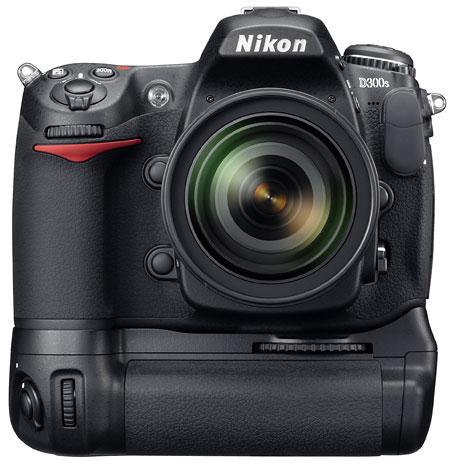 Foto der D300s von Nikon mit Handgriff MB-D10