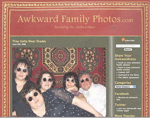 Screenshot Awkward Family Photos
