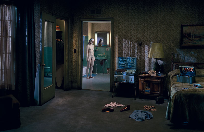 Foto Gregory Crewdson: Untitled (Blue Period), 'Beneath the Roses', 2005