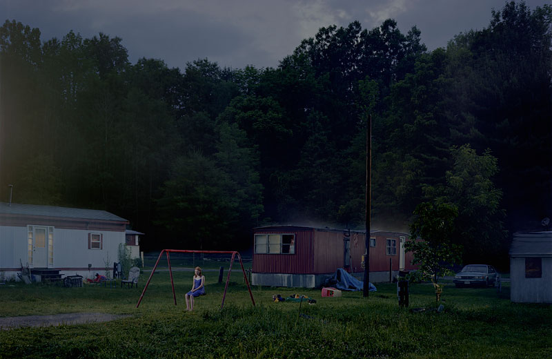 Foto Gregory Crewdson: Untitled (Trailer Park), 'Beneath the Roses', 2007