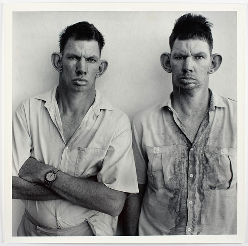 Foto Roger Ballen: Dresie and Casie, Twins, Western Transvaal, 1993