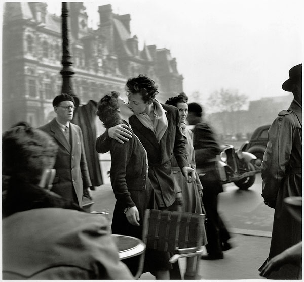 Foto Robert Doisneau: Der Kuss vor dem Hotel de Ville, 1950