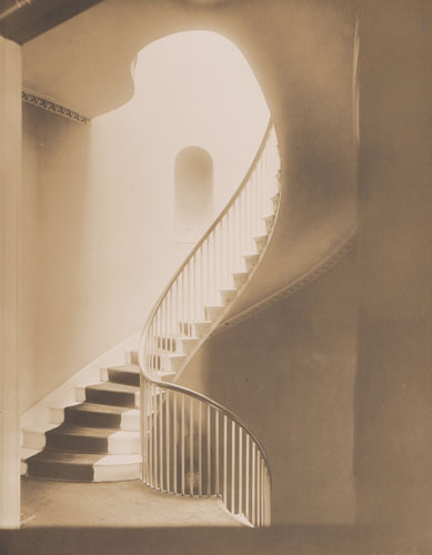 Foto Frank Cousins: Treppenhaus in Daniel P. Parkers Mansion, Boston um 1910