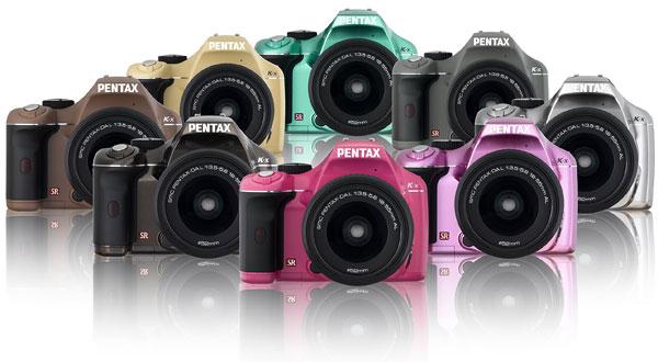 Foto der Farbvarianten der K-x von Pentax