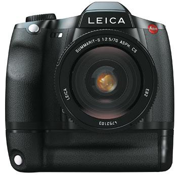 Foto der Leica S2 mit Multifunktionshandgriff