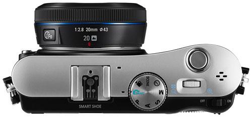 Foto der Oberseite der NX100 von Samsung