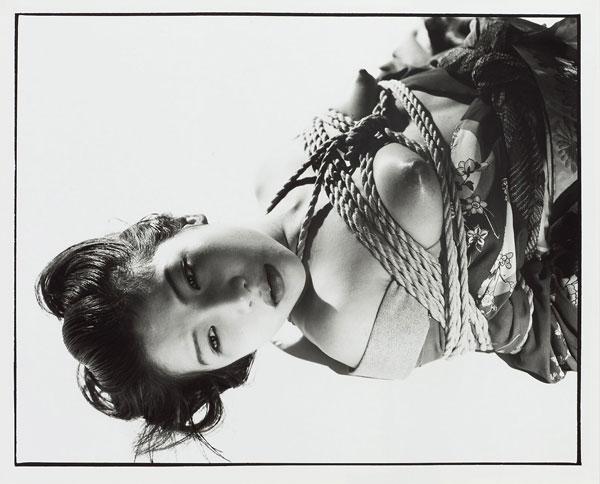 "Foto Nobuyoshi Araki, Ohne Titel (aus der Serie ""Tokyo Comedy""), 1997"