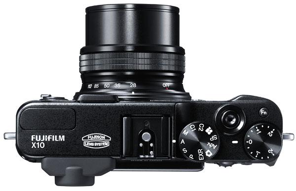 Foto der Oberseite der FinePix X10 von Fujifilm