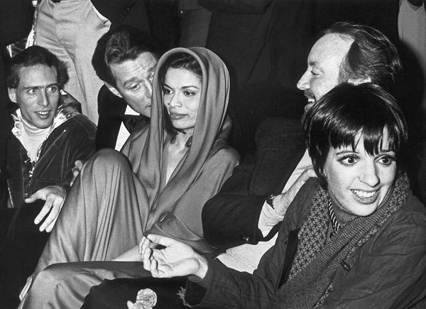 Foto Ron Galella: Halston, Bianca Jagger and Liza Minelli, Studio 54, New York, January 1978
