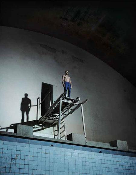 Foto Andreas Mühe,, Springer 1 (aus der Serie Olympisches Dorf), 2009