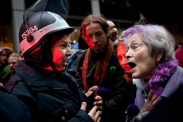 """Foto Andrew Burton, aus der Serie """"Occupy Wall Street"""""""