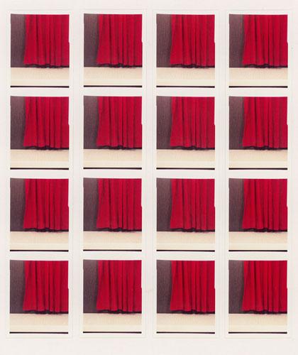 """Foto Jan Wenzel, """"Vorhang"""", aus der Serie """"Instant History"""", 2009"""