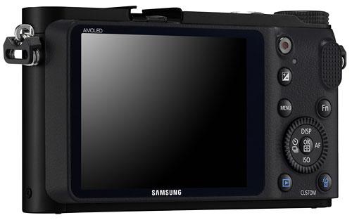 Foto der Rückseite der NX210 von Samsung