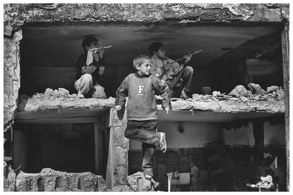 """Foto Anja Niedringhaus, aus der Serie """"At War"""", 2009"""