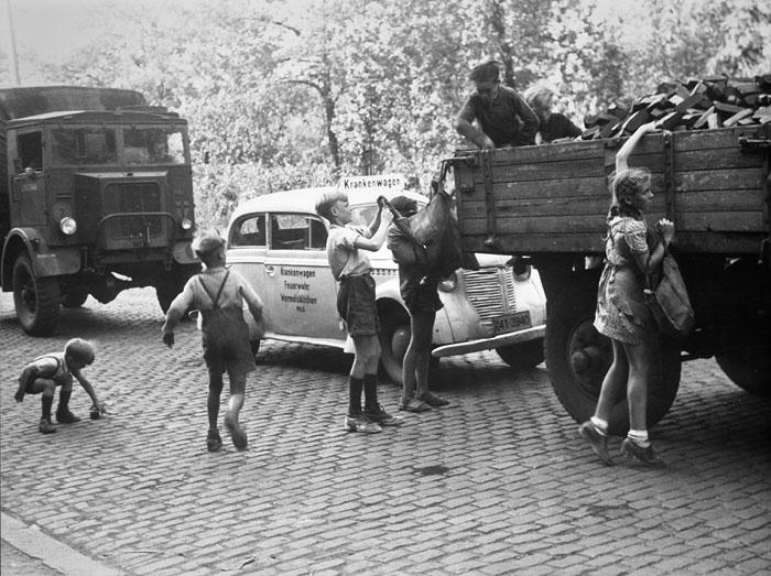 Foto Hermann Claasen, Kohlenklau ('Fringsen'), um 1946