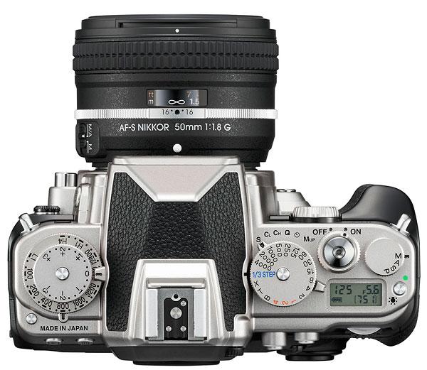 Foto der Oberseite der Nikon Df