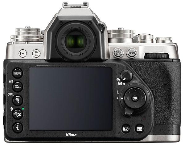 Foto der Rückseite der Nikon Df