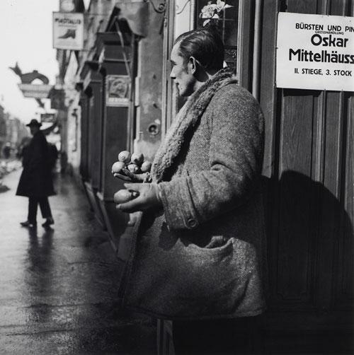 Foto Edith Tudor-Hart, Obstverkäufer, Wien, um 1930