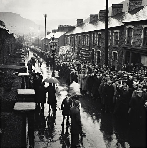 Foto Edith Tudor-Hart, Demonstration von Arbeitslosen, Trealaw, South Wales, 1935