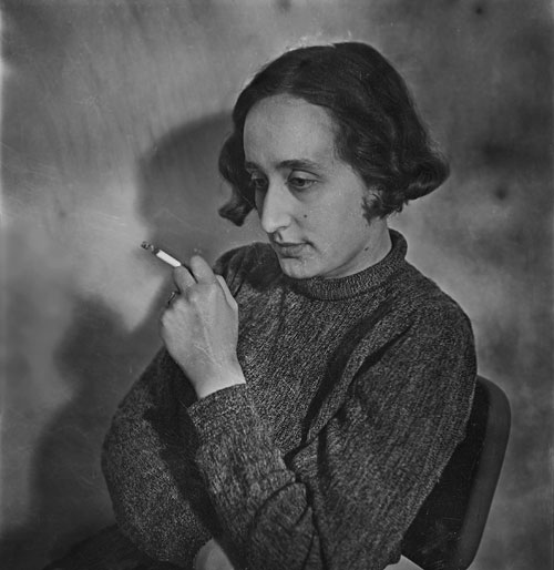 Foto Edith Tudor-Hart, Selbstporträt, London, um 1936