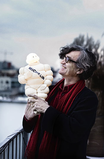 Foto Rakete, Regisseur Wim Wenders mit Michelin-Mann