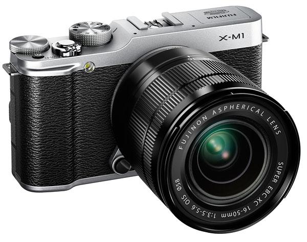 Foto der X-M1 mit XC 3,5-5,6/16-50 mm OIS