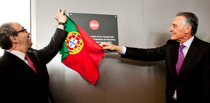 Foto Staatspräsident Cavaco Silva (rechts) und Leica-Aufsichtsratsvorsitzender Dr. Andreas Kaufmann (links)