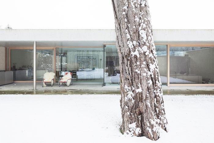 "Foto Claudia Luperto, Winterthur, ""White Stuff"""