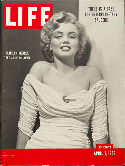 Cover of LIFE magazine with a Portrait of Marilyn Monroe by Philippe Halsman, April 7th, 1952 edition
