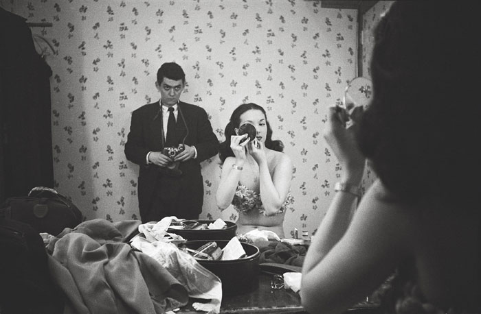 Foto Stanley Kubrick, Showgirl – Kubrick photographing Rosemary Williams, 1949
