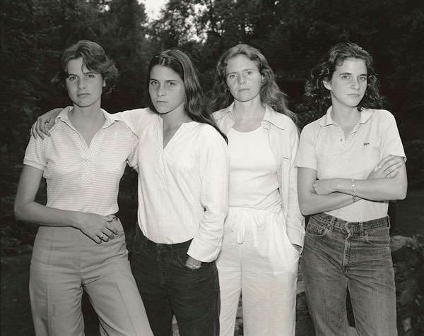 Foto Nicholas Nixon, The Brown Sisters, New Canaan, Connecticut, 1975
