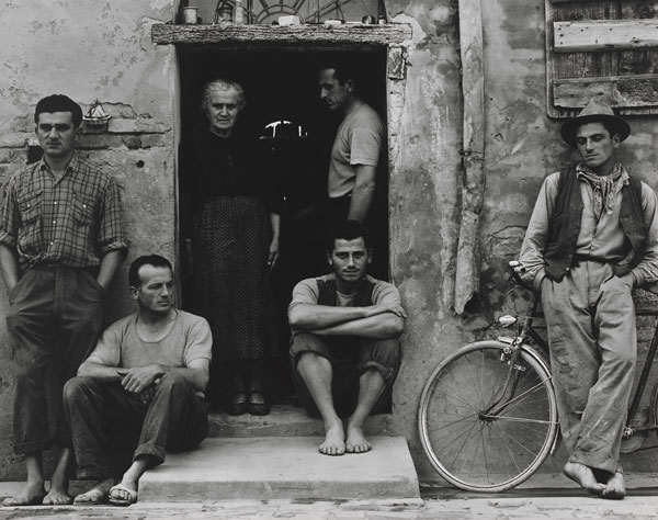 Foto Paul Strand, The Family (Die Familie), Luzzara (The Lusettis), 1953