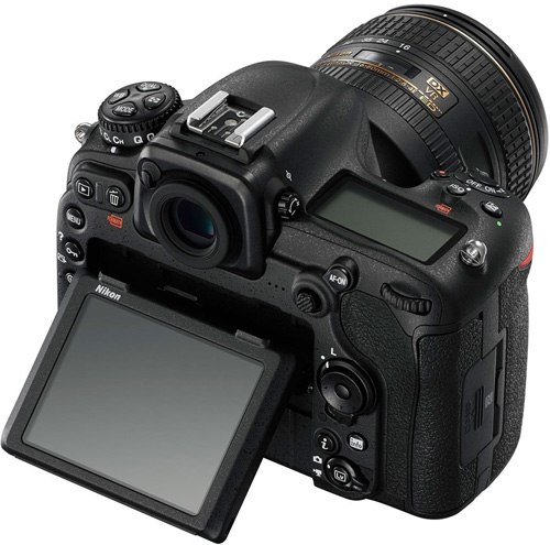 Nikon D500: Klappbares Display