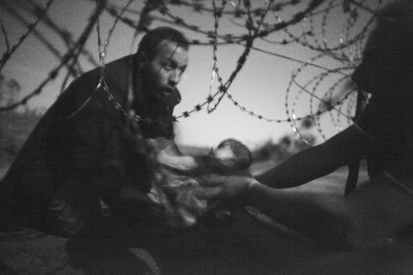 World Press Photo  2015: © Warren Richardson, Australien