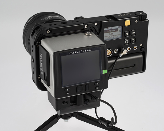 hasselblad handy kamera true zoom kooperation mit alpa kamerataschen mit sandqvist photoscala. Black Bedroom Furniture Sets. Home Design Ideas