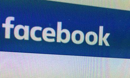 Urteil: Facebook darf Urheberhinweis nicht löschen