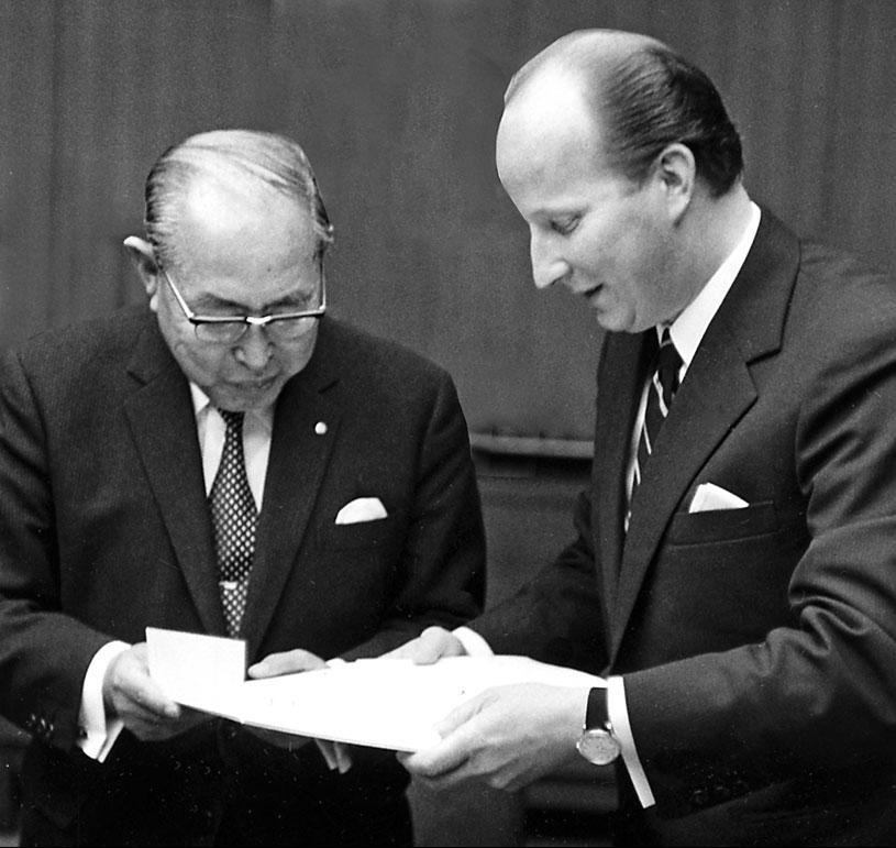 Kazuo Tashima und Knut Kühn-Leitz