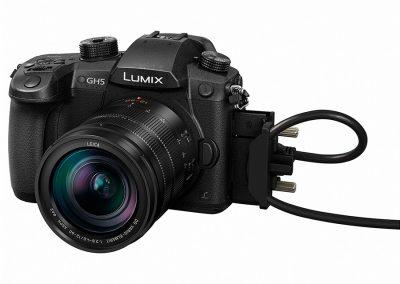 panasonic-lumix-GH5-ES12060E-slant-HDMI