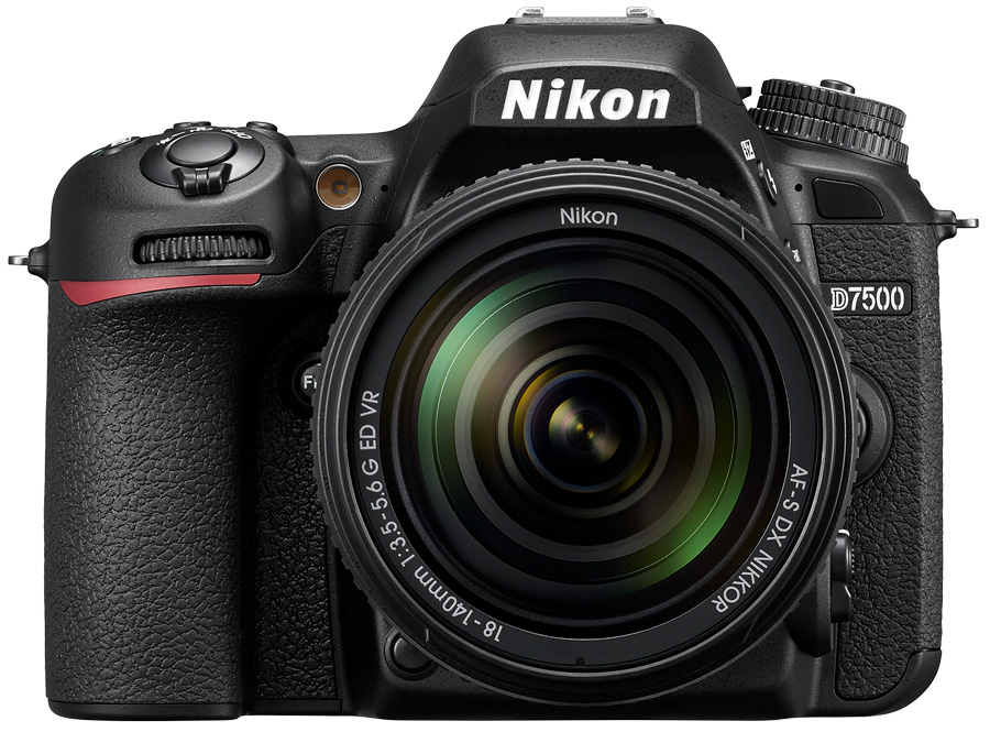 Nikon D7500 mit 18-140