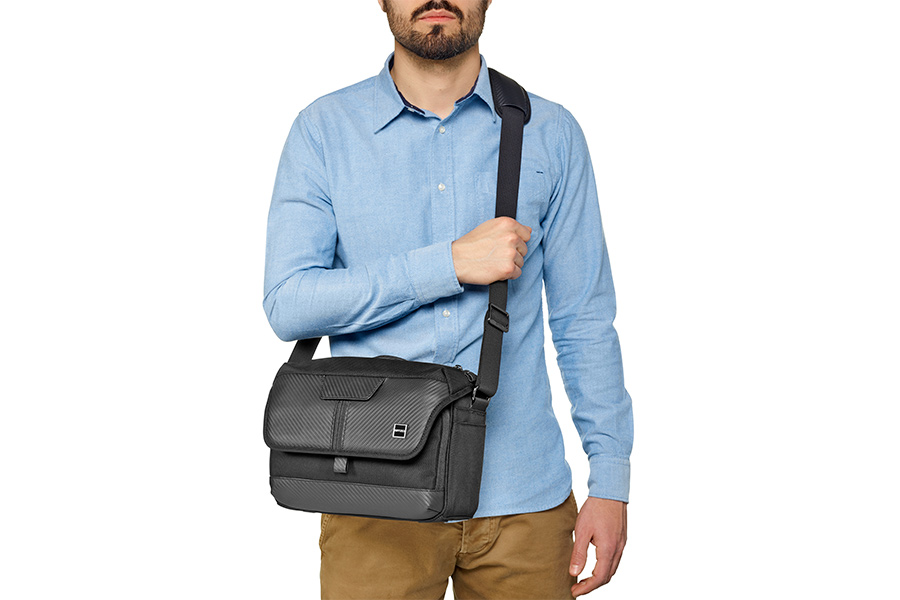 GITZO_camera_bag_with model_3