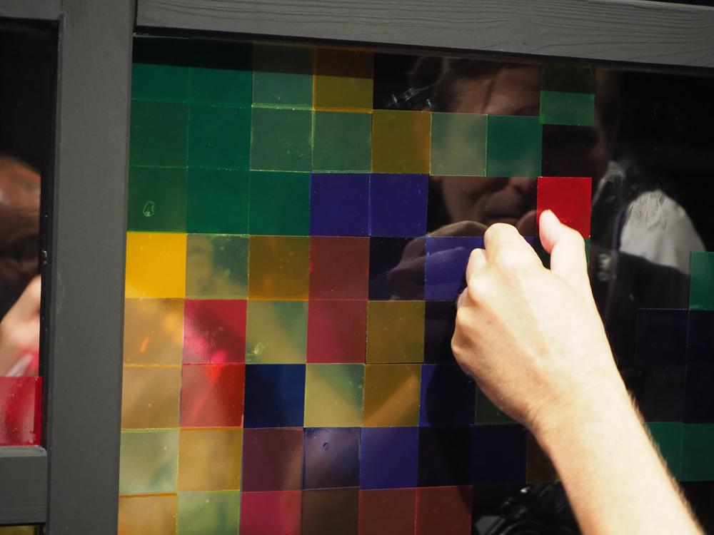 Wer keine Pixel aufnimmt, klebt welche. © Martin Vieten