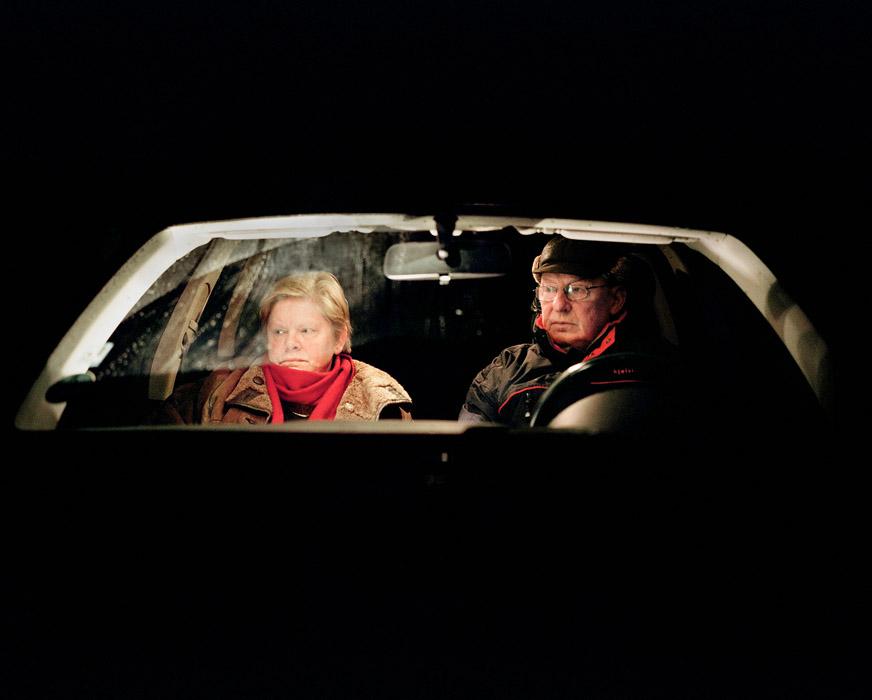 Roswitha und Arnold im Auto